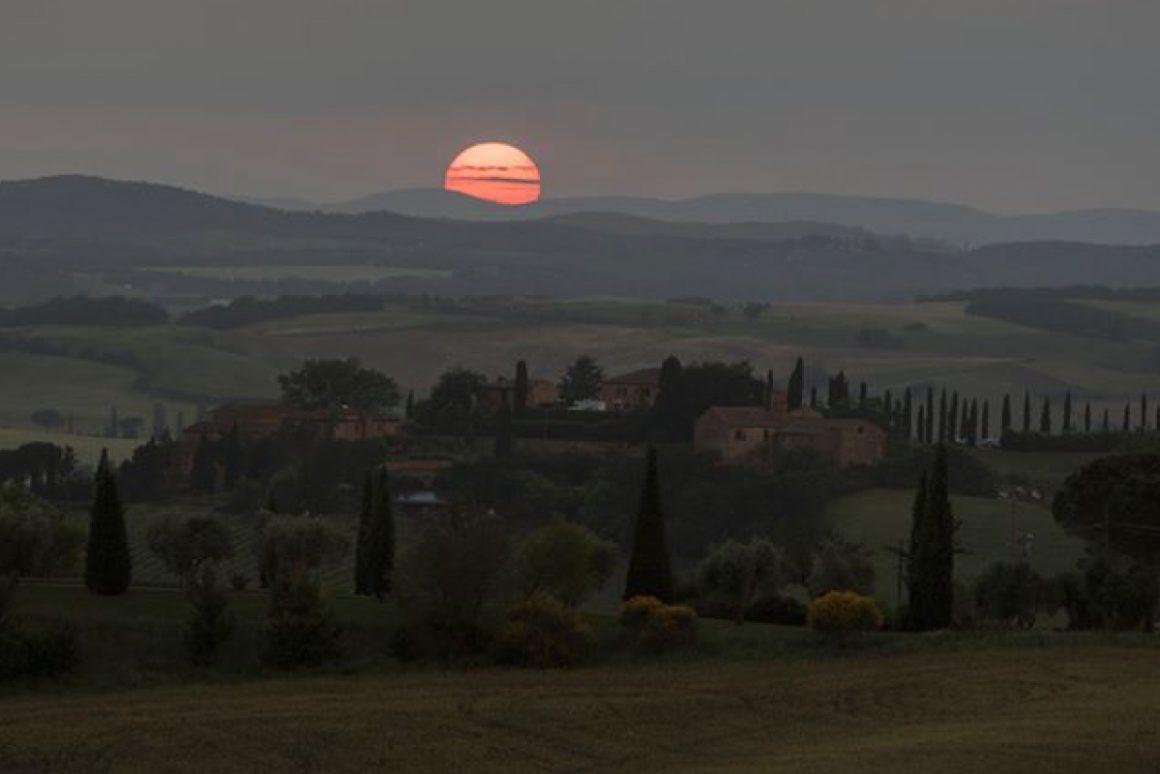 panorama tramonto toscana