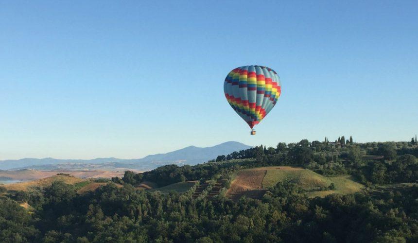 A hot air balloon flight on the Tuscan hills