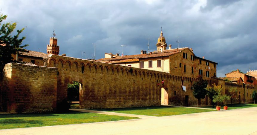 Visit Buonconvento: inside and around the city walls