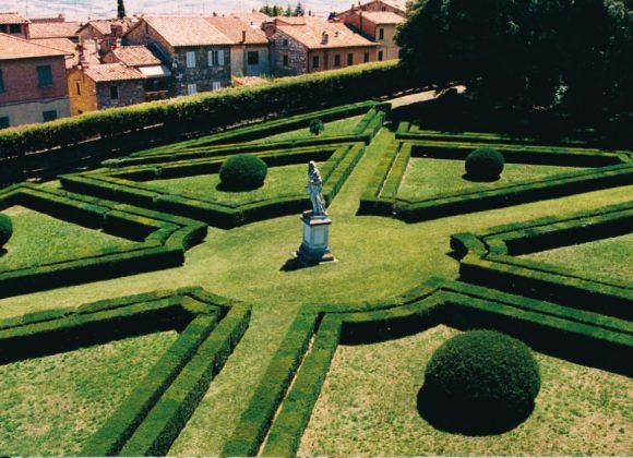 San Quirico d'Orcia and Bagno Vignoni: among history and thermal baths