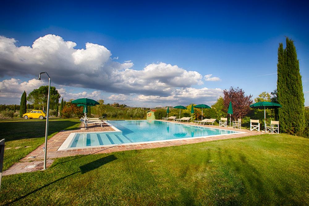 swimmingpool tuscany agriturismo