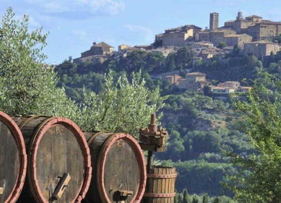Montepulciano among history and wine