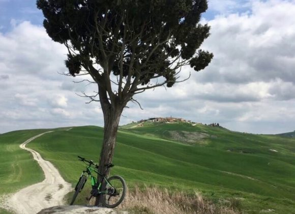 Cycling routes and bike maps in southern Tuscany