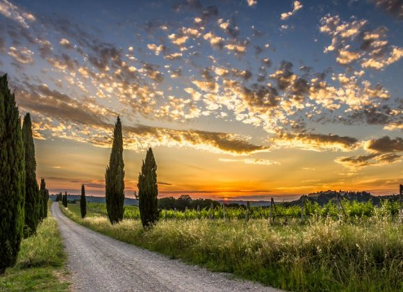 BEST HIKING TRAILS IN THE VAL D'ORCIA